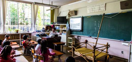 茅野小学校 バックパッカー 講演