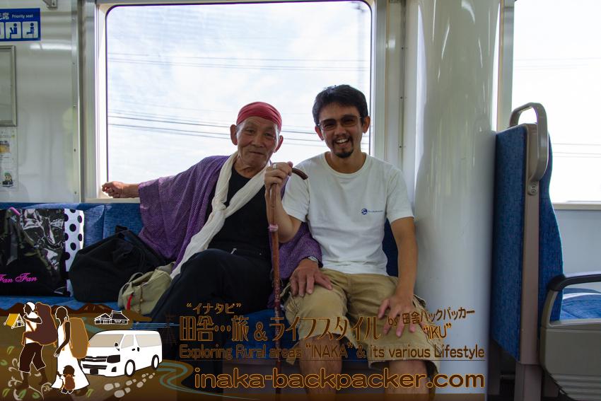 """ローカル線のと鉄道の電車内で出会った、住職の""""ような""""人と"""