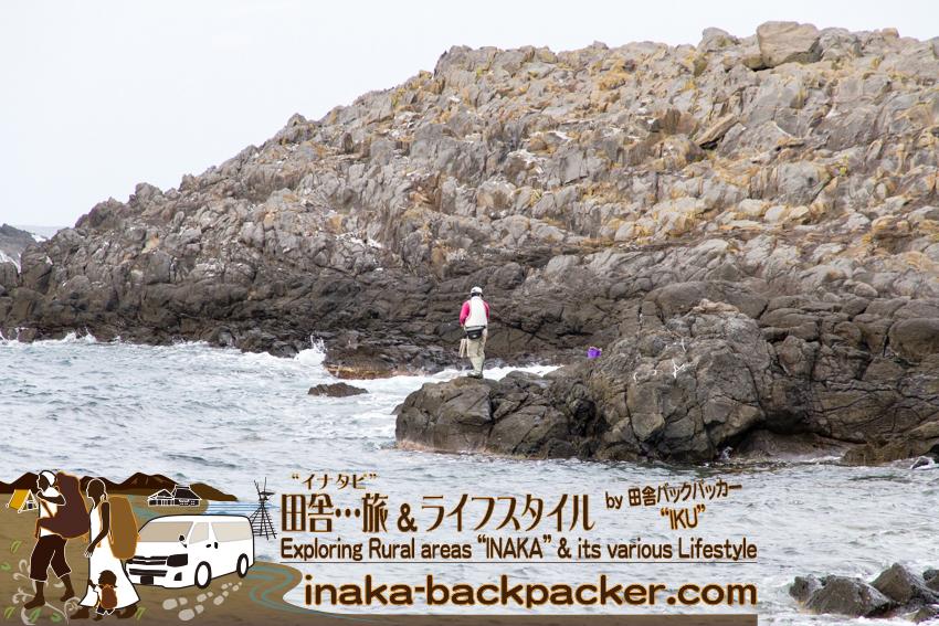 舳倉島で釣りをする人も沢山いた。There were lots of fishermen on Hegura Jima osland.