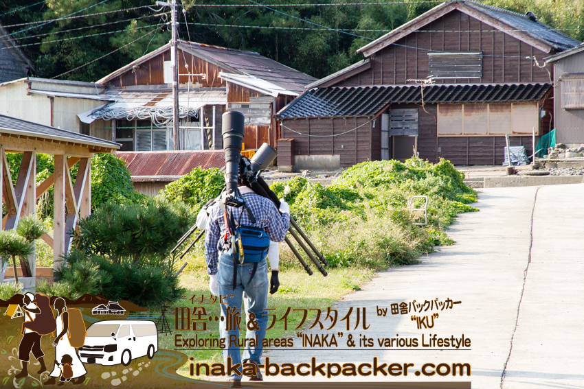 100万円以上するレンズを持つカメラマン兄弟が舳倉島を歩く