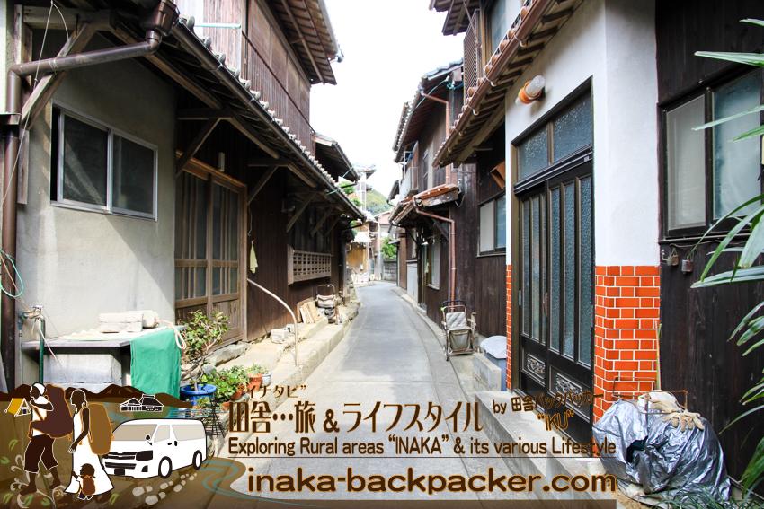 愛媛県 八幡浜大島 - 島内の通り。