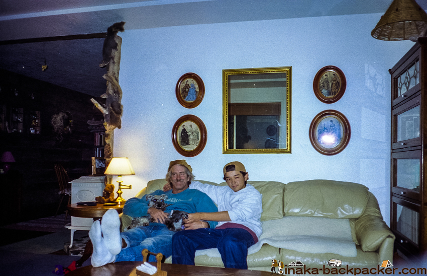 Peter と ぼく(犬はミニチュア・シュナウザー4匹)。Peter and me. They had four Miniature Schnauzers (at the time)