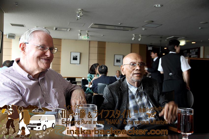 東京有楽町の外国人記者クラブ/The Foreign Correspondents' Club of Japan(プレスクラブ)にて。ハウクさんと、ハウクさんの友人チャックさん。