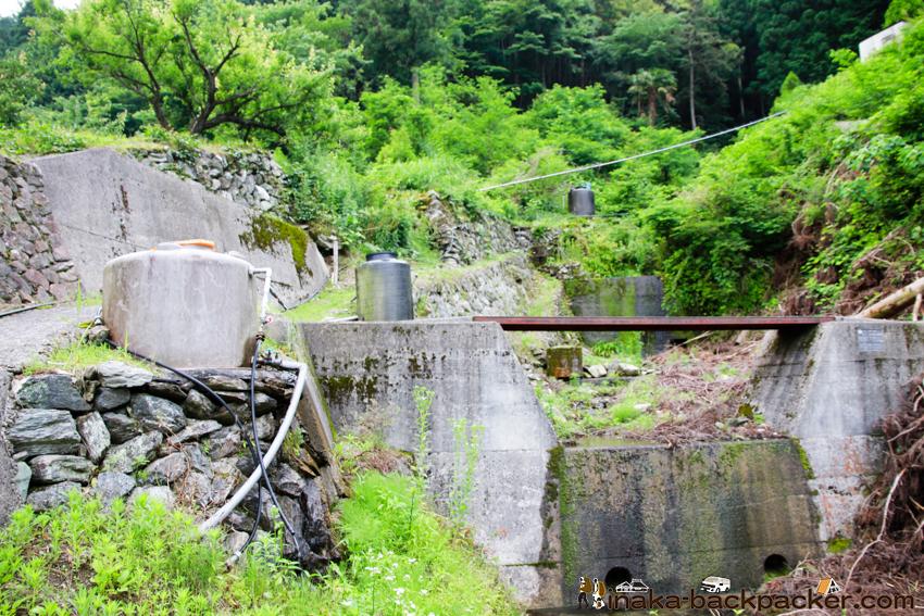 山から水を引く 神山