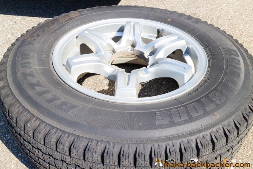 snow tire BLIZZAK hiace toyota ハイエース ブリジストン スタッドレスタイヤ ブリザック