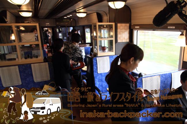 のと鉄道のアテンダントスタッフとして様々な取材に対応している中川結花子