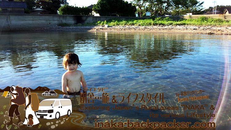 能登・穴水町岩車のプライベートビーチ...ごつごつした石なしの砂浜...真夏日には良い感じの温泉になる