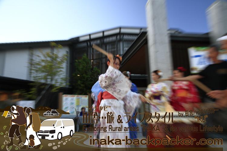 能登・穴水町(石川県) - 「穴水町さわやか交流館プルート」夏祭り。浴衣姿のジャパンテントのみんなで太鼓体験!中国からの留学生 シンシンも太鼓を体験!