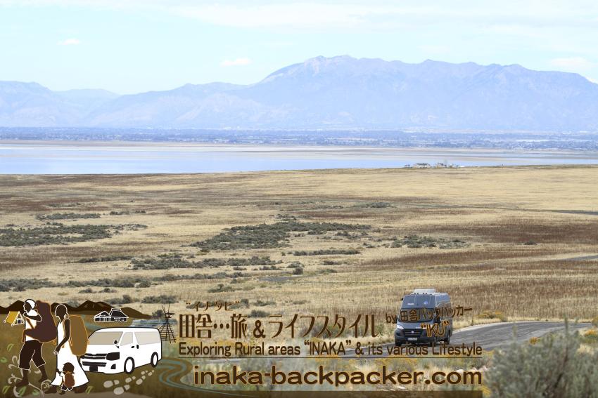 ユタ州グレートソルトレイク・アンテロープアイランド(島) - 広大な自然を駆け抜けるキャンピングカー