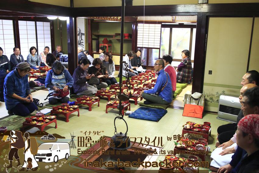 農家民宿 ゆうか庵での「うちごはん食堂」。県外含め約45名がゆうか庵とこうやさんによる能登の郷土料理を楽しむ。