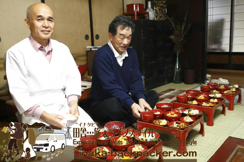 カフェギャラリー こうやの古谷英教さんと、農家民宿 ゆうか庵の主人 中田隆さん