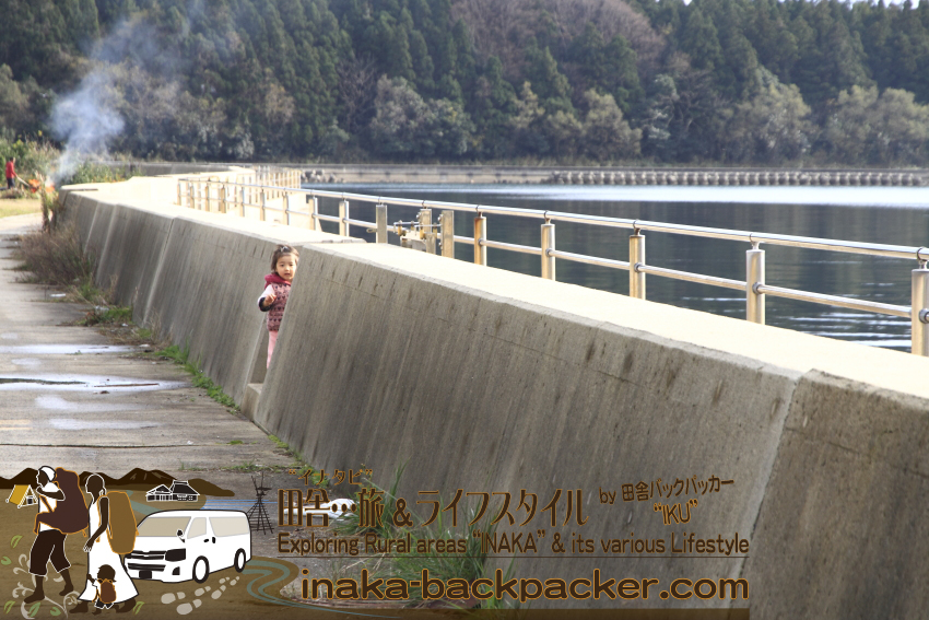 能登・穴水町岩車(石川県) - 海沿いを散歩