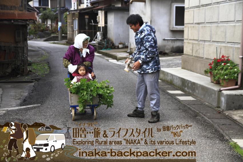 """能登・穴水町岩車(石川県) - 子どもの""""パワー""""ってのはすごいもので...会う人会う人みんなを笑顔にするよ。牡蠣・米など半農半漁の川端譲さん。最近、岩車にUターンした。"""