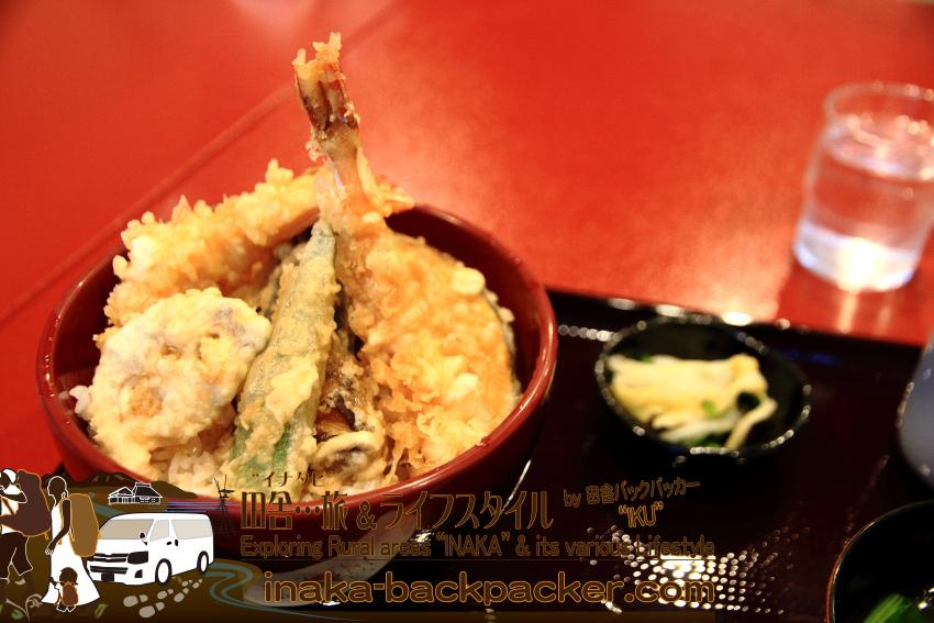 能登・輪島市(石川県) - 能登一周中。輪島のキリコ会館そばにある「喜芳(きよし)」で昼食。天丼(1300円)の具も能登で捕れたもの。