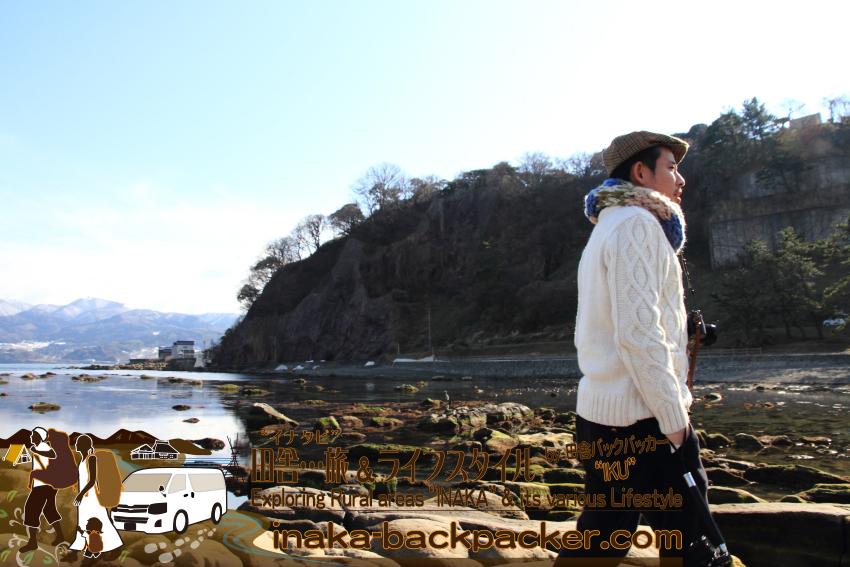 能登・輪島市(石川県) - 能登一周中。海水天然プールがある「鴨ヶ浦(かもがうら)」。空を照らす海に感激。