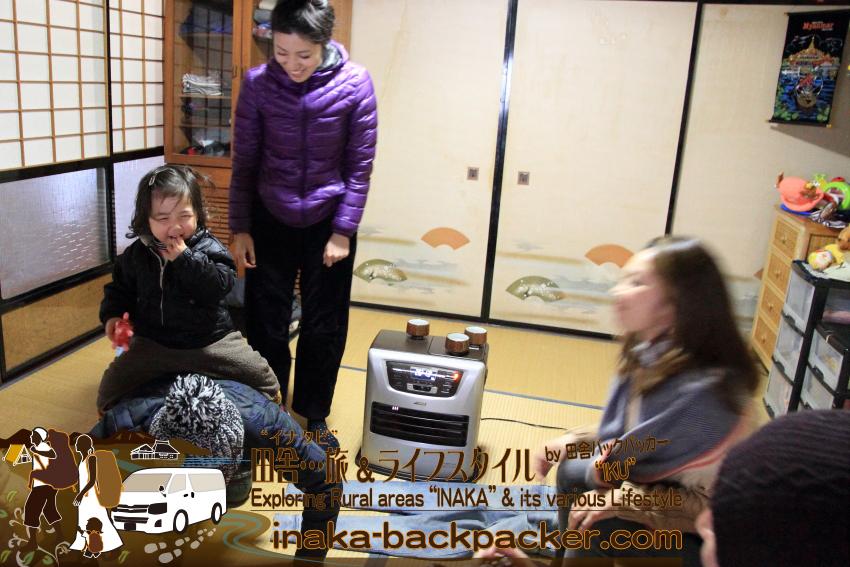 """能登・穴水町岩車(石川県) - その後、移住先の岩車のぼくらバックパッカーファミリーの家へ。""""暮らし""""を紹介。みんなで岩車散策。"""
