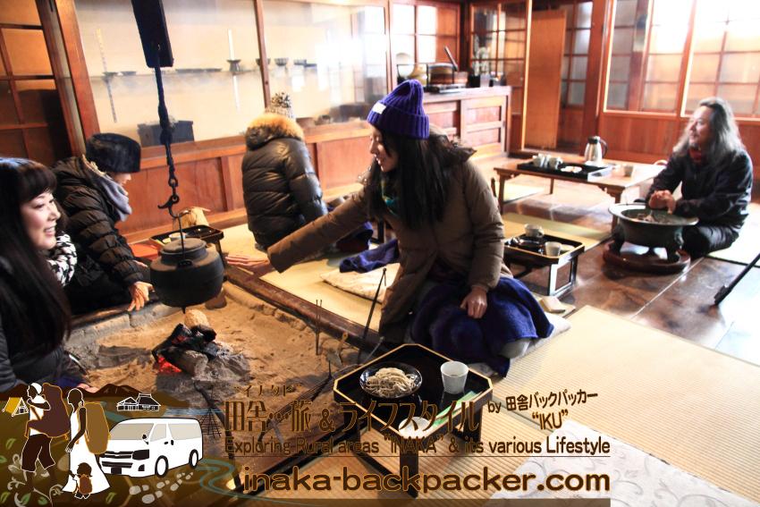小林仁さんの9.5割蕎麦を食べる。石臼で蕎麦の実をすって...一から蕎麦を手作りでつくっている。