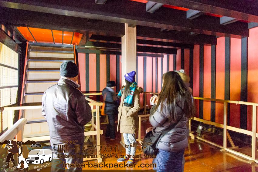 漆塗りの倉