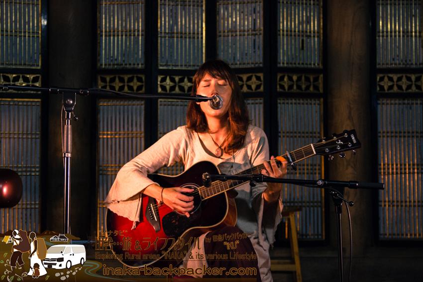 中川結花子 音楽 ライブ ギター