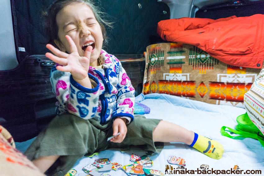 クルマ旅 車中泊 ベット 子ども