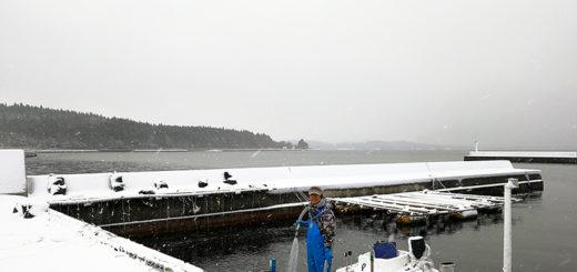 穴水町 岩車 雪 牡蠣漁師