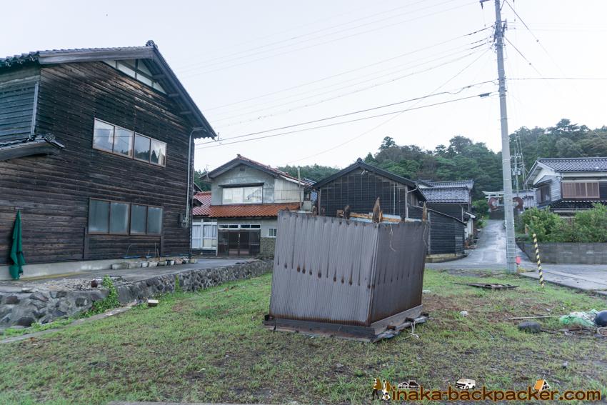 typhoon 21 storm in Anamizu Noto Ishikawa 台風21号 穴水町 住宅 屋根