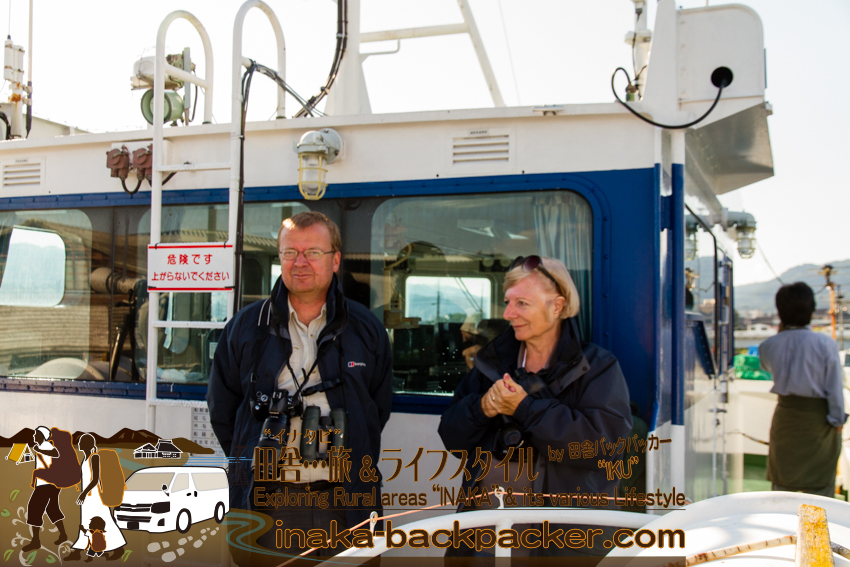 舳倉島に3週間滞在予定のDavid CooperさんとBrenda Kayさん. Mr. David Cooper and Ms. Brenda Kay plans to stay at Hegurajima Island for 3 weeks this time.