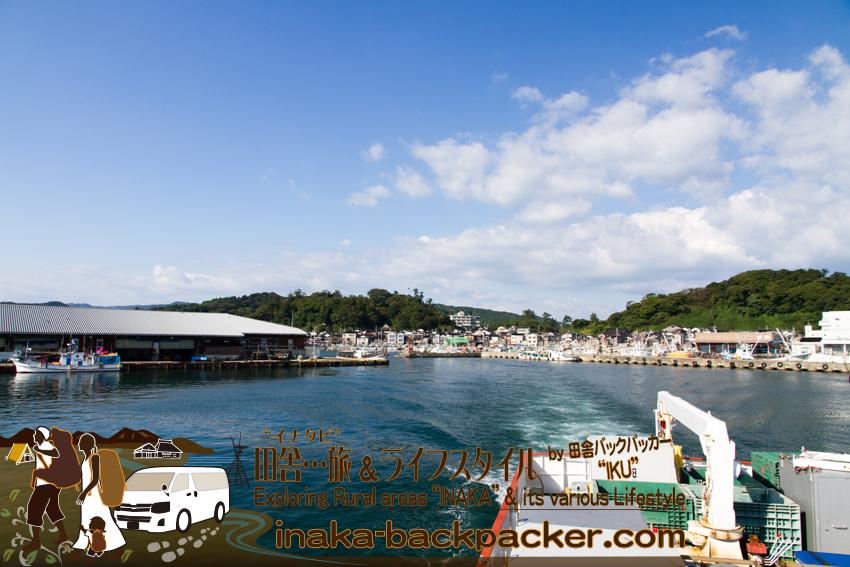 舳倉島への定期船からの眺め。輪島の港を出発。