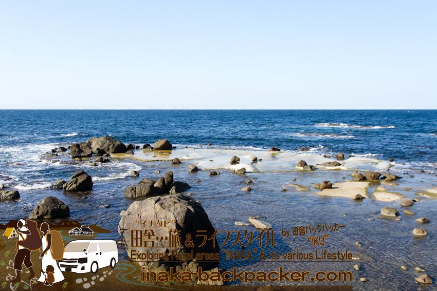 能登半島の外浦。「日本海=荒れている」ようなイメージがあったが、そんなことはないようだ。