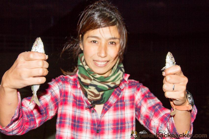 バックパッカー 釣りガール 瀬戸内海 島