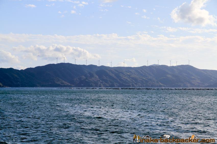 Okinoshima island in Kochi Japan 高知県 沖の島 人口200人 石造り 島 サントリーニ島 キャンプ テント