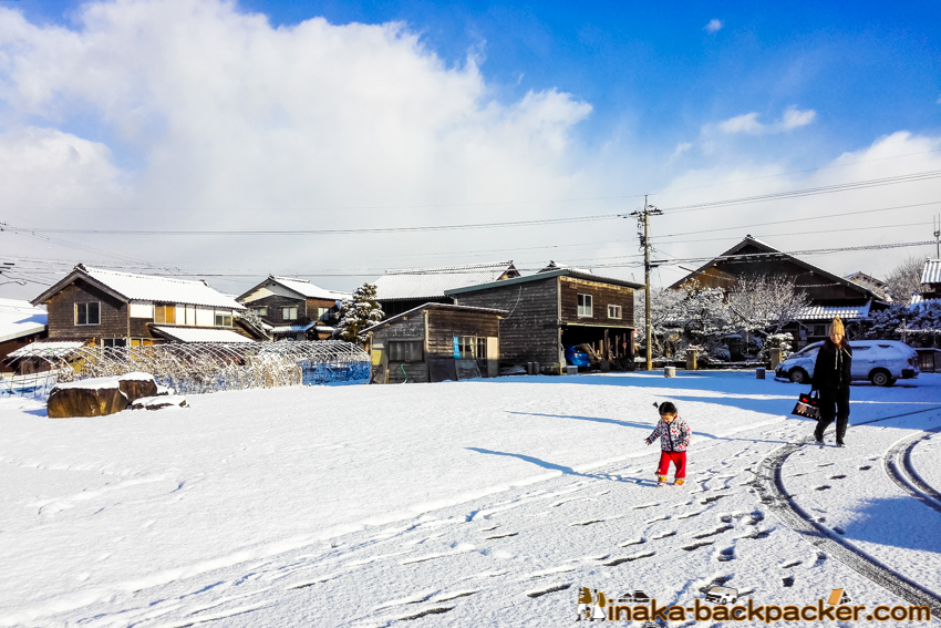 winter snow tire in Hokuriku Ishikawa Noto Japan 北陸 石川県 能登半島 スタッドレス タイヤ