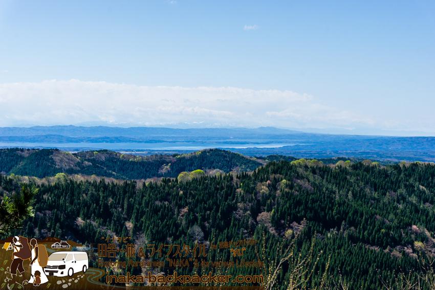 高州山 能登半島の内側も見える