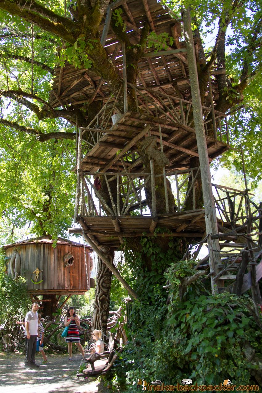 It's a BURL tree house