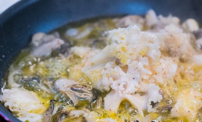 牡蠣 はなびらたけ アヒージョ